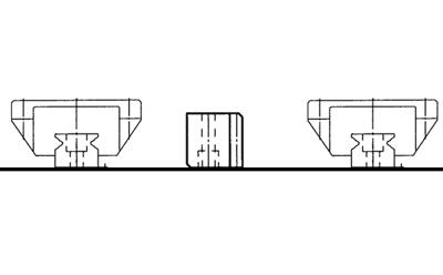 两根滚珠导轨和一根齿条平行放置