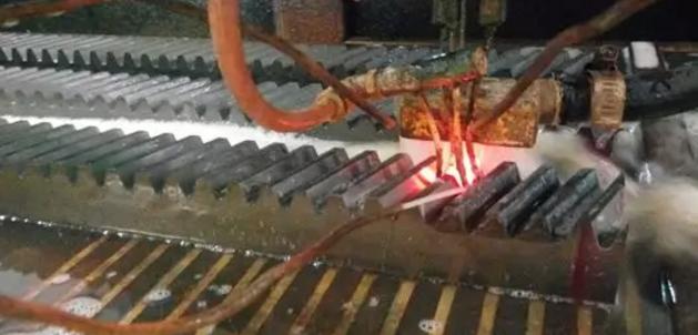 齿条淬火加工